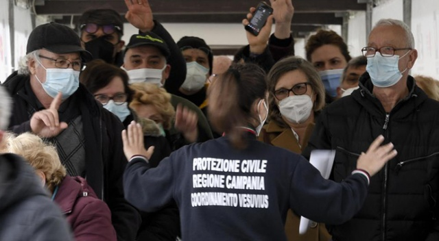 İtalya'da son 24 saatte 487 can kaybı