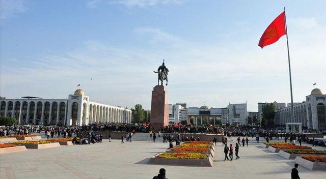 Kırgızistan'da halk sandık başında