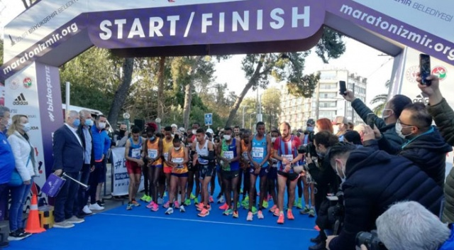 Maratonİzmir'de zorlu mücadele başladı
