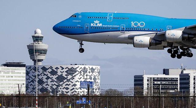 Uçağın iniş takımlarına tutunarak Hollanda'ya kaçmaya çalışan Nijeryalı donarak öldü