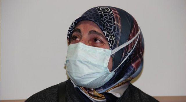 Sağlık çalışanlarına ettiği dua sonunda gözyaşlarını tutamadı