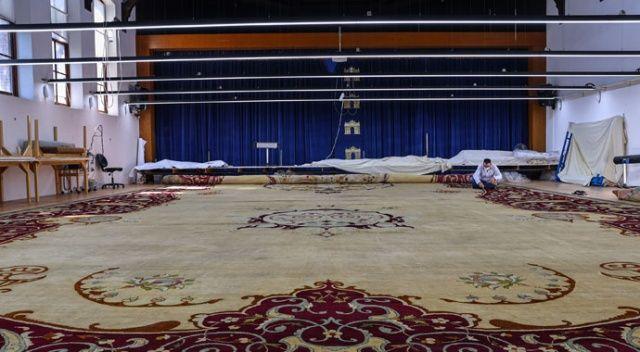 Saray'ın halısı hazır