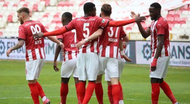 Sivasspor, sahasında Konyaspor'u 3-1 mağlup etti