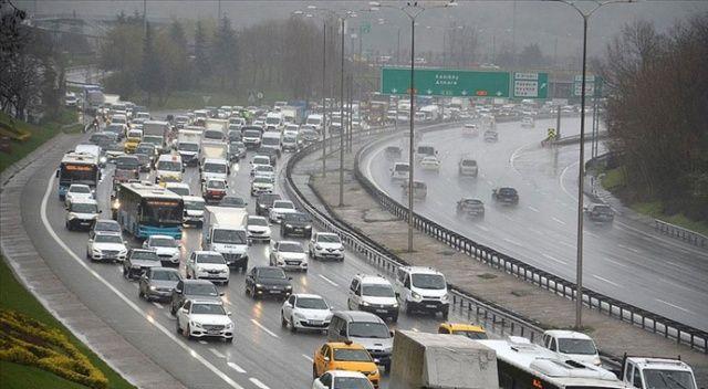 Sokağa çıkma kısıtlaması sona erdi, İstanbul'da trafik yoğunluğu arttı