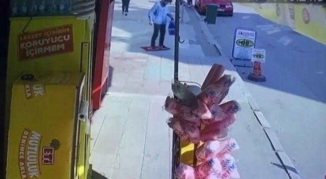 Türk bayrağını yere serip üzerine bastı, gözaltına alındı