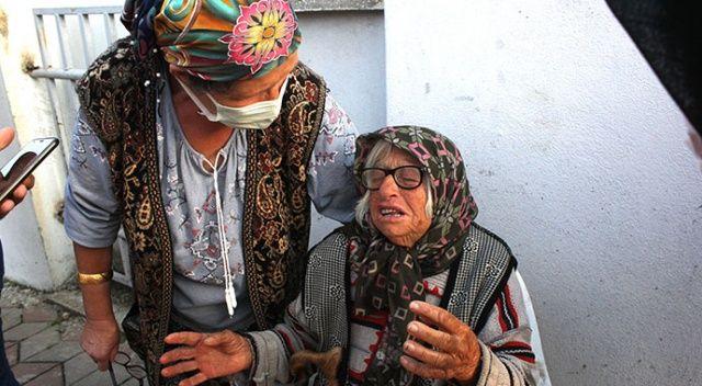 Yaşlı çift yanan evlerini gözyaşları içinde izledi