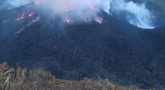 Karayipler'de La Soufriere Yanardağı hareketlendi! Tahliyeler başladı