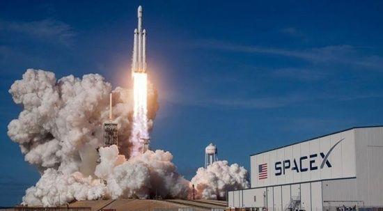 NASA, SpaceX roketi ile 4 astronotu uzaya fırlattı