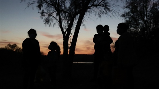 Orta Amerika ülkelerinden ABD'ye gitmek için yola çıkan 2 bin göçmenin Meksika'da kaybolduğu belirtildi
