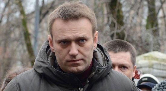 Rusya'da açlık grevindeki muhalif lider Navalny hastaneye kaldırıldı