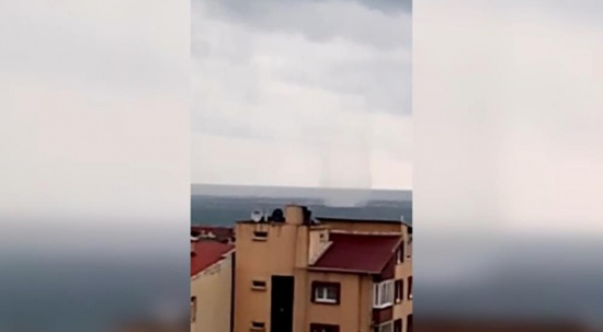 Sinop'ta denizde hortum oluştu
