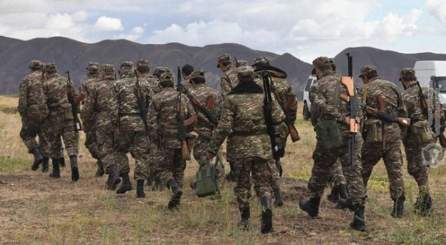 Azerbaycan esir aldığı Ermeni askerlerini serbest bıraktı