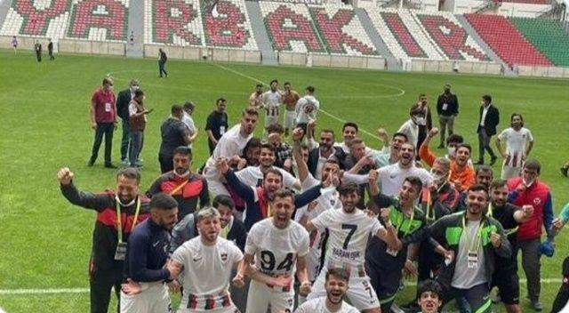 Bakan Soylu şampiyon Diyarbekirspor'u tebrik etti