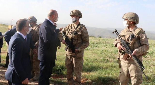 Bakan Soylu, Siirt'te askerlerin bayramını kutladı