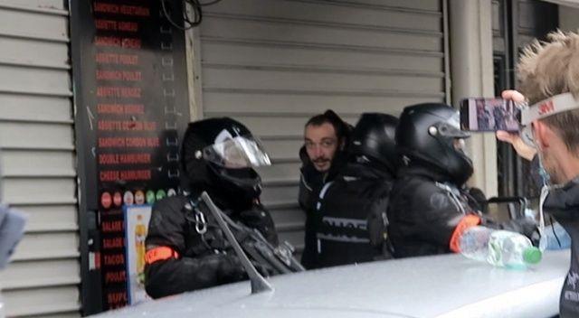 Fransa'da 1 Mayıs dolayısıyla düzenlenen gösterilerde 39 kişi gözaltına alındı