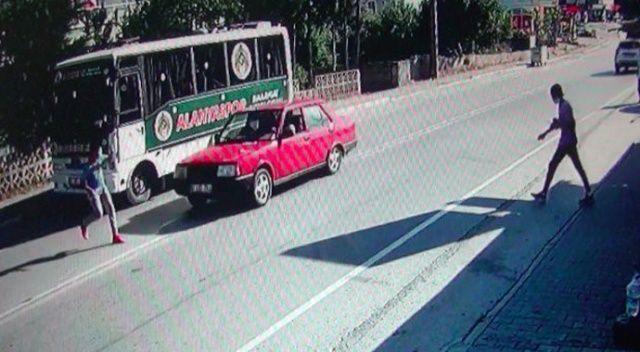 Genç futbolcuya kaza şoku: Su almaya indi araba çarptı