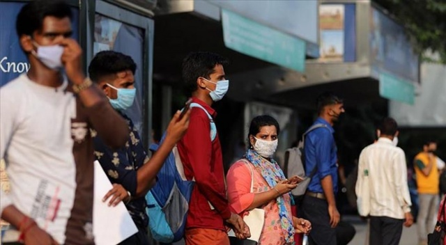 Hindistan'da Kovid-19 vaka sayısı 20 milyona yaklaştı