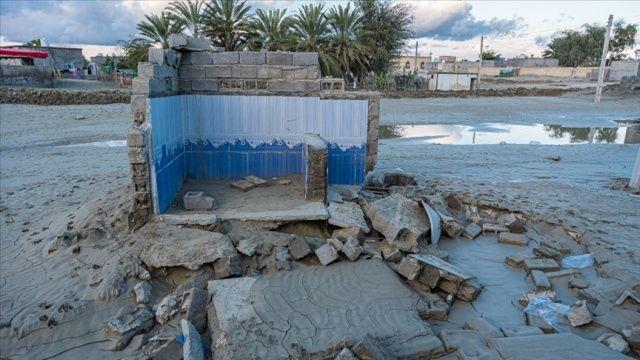 İran'ın çeşitli bölgelerinde sel sonucu 10 kişi öldü