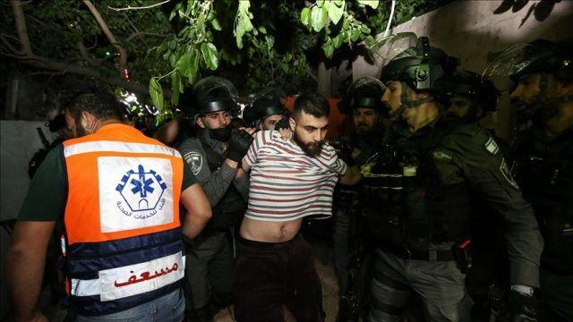 İşgalci Yahudi yerleşimciler Şeyh Cerrah'ta Filistinli sivillere karşı silah kullandı