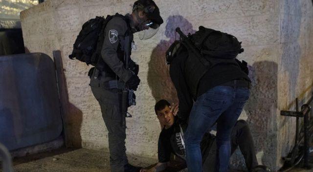 İsrail polisi bugün de Mescid-i Aksa'ya saldırdı!