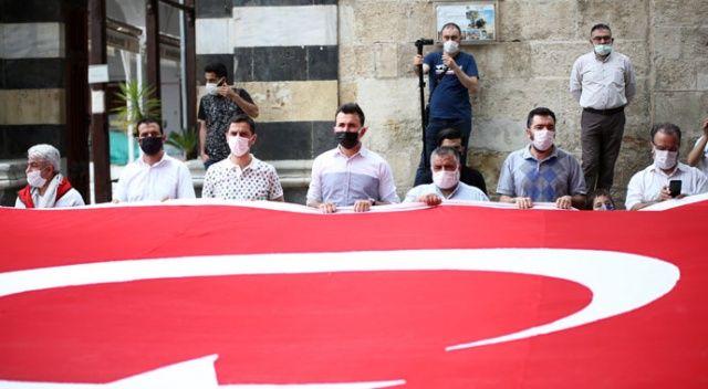 İsrail polisinin Mescid-i Aksa'da cemaate saldırması Adana'da protesto edildi