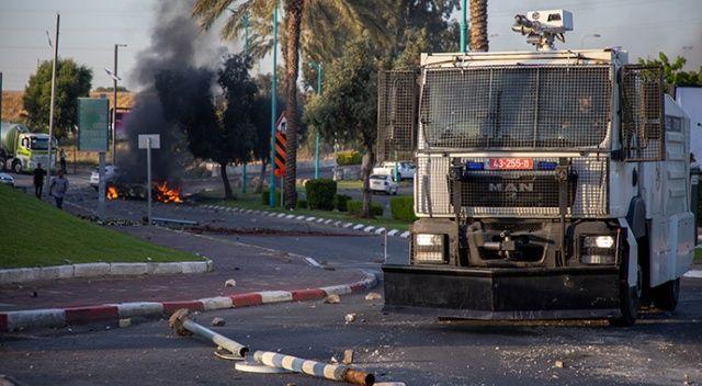 İsrailliler saldırılara dayanamadı: O şehirde sokağa çıkma yasağı ilan edildi