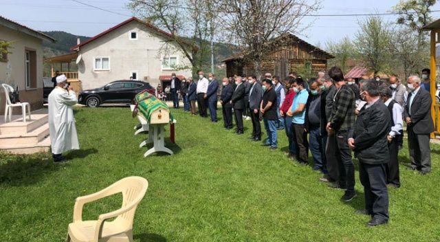 Kastamonu'daki yangında hayatını kaybeden anne ile kızının cenazeleri toprağa verildi
