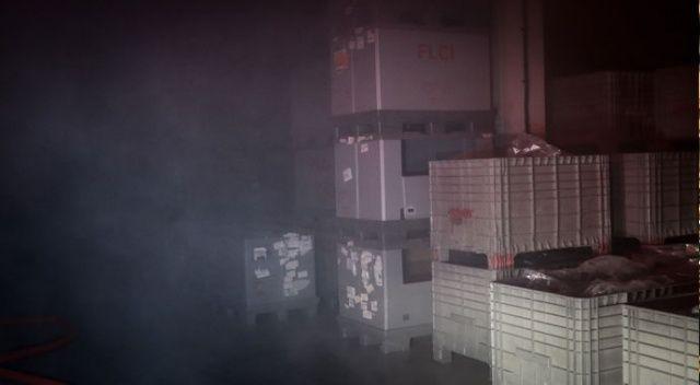 Kauçuk fabrikası alev alev yandı: 6 işçi  hastaneye kaldırıldı