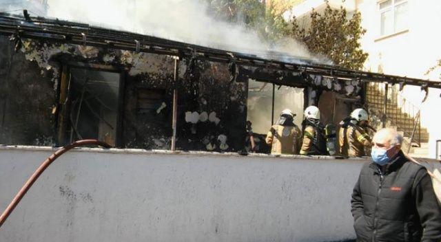 Maltepe'de korkutan yangın! Gecekondu alev alev yandı