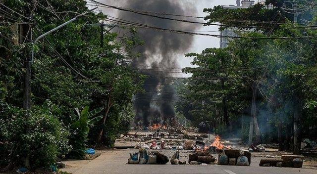 Myanmar'ın Chin eyaletinde darbe karşıtı silahlı grup, ordu ile çatıştı: 8 ölü
