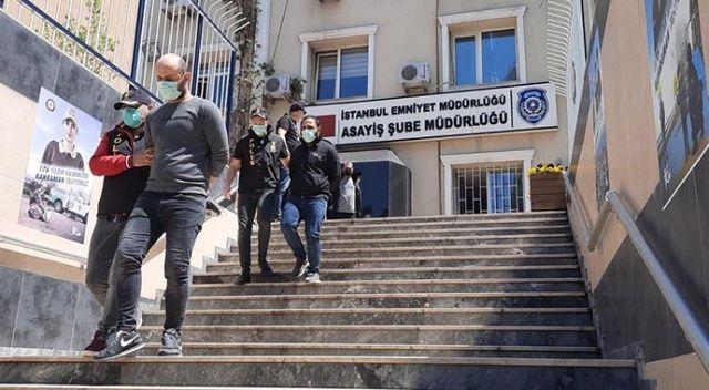 Polis kılığında eve girdiler bin 200 lira çaldılar