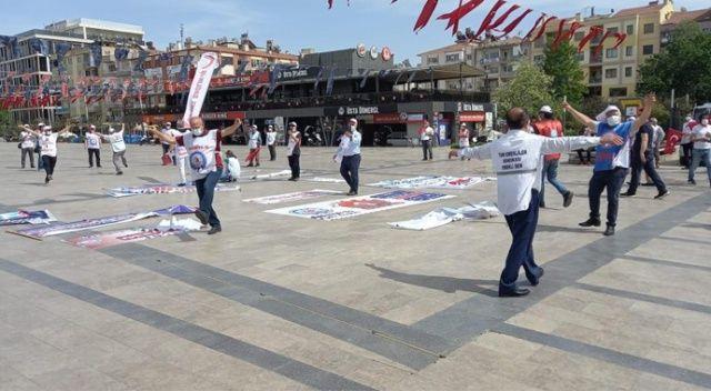 Polis mesafe denetimi yaptı, sendikacılar 1 Mayıs halayını böyle çekti