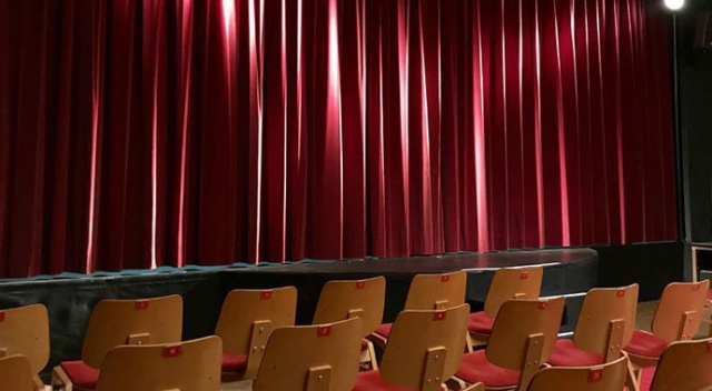 Salgın döneminde özel tiyatrolara 36,5 milyon lira destek
