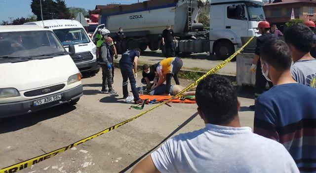 Tır ile çarpışan minibüs yol kenarındaki karı-kocaya çarptı: 1'i ağır 2 yaralı