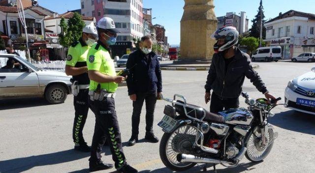 Trafik polislerinin şok uygulamaları meyvelerini verdi