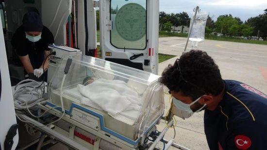 4 günlük bebek ambulans helikopter ile kurtarıldı