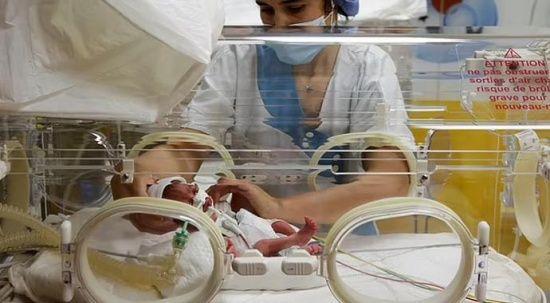 Bir batında dünyaya gelen 9 bebek 2-3 ay kuvözde kalacak