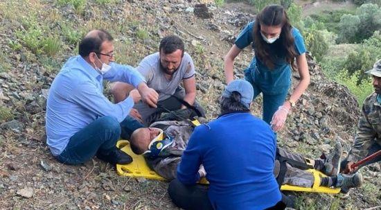 Dengesini kaybetti, 6 mt yüksek kayalıktan düştü