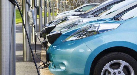 Dizel azaldı hibrit ve elektrikli satışı arttı
