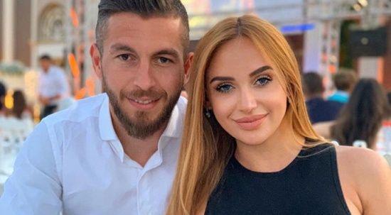 Futbolcu Âdem Büyük'ün eşi çakarlı araçla gezdi, vatandaşlar isyan etti
