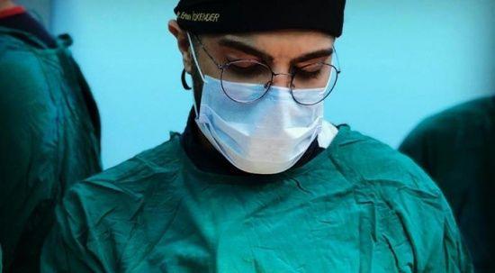 Hastanede dehşet! Kendisini uyaran doktoru bıçakladı