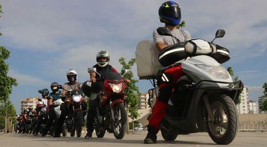 Motorlu kuryeler düzenleme istiyor: Hız baskısı ölüme neden oluyor