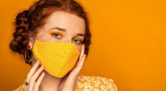 Uzmandan uyarı: Maskenin altına ağır makyaj yapmayın