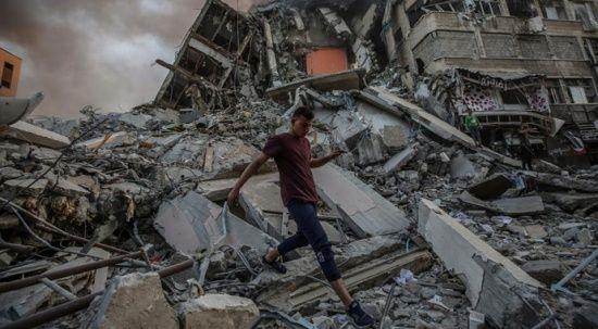 Yürek yakan görüntüler: İşgalci İsrail Gazze'yi talan ediyor
