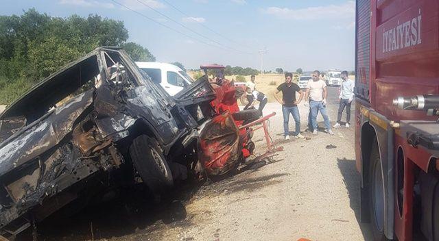 7 kişinin bindiği motosiklet kaza yaptı: ölü ve yaralılar var