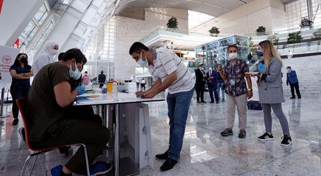 Ankara YHT Garı'nda aşı yapılmaya başlandı