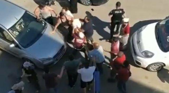 Çocuklar tartıştı, aileler dövüştü