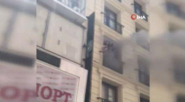 Fatih'te otelde korkutan yangın