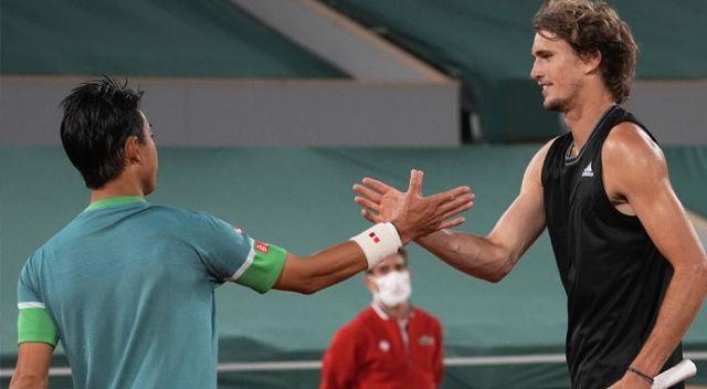 Fransa Açık'ta Zverev çeyrek finale yükseldi