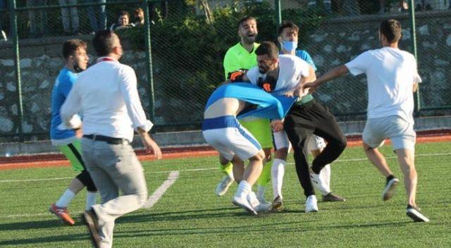 Futbol maçı boks maçına döndü